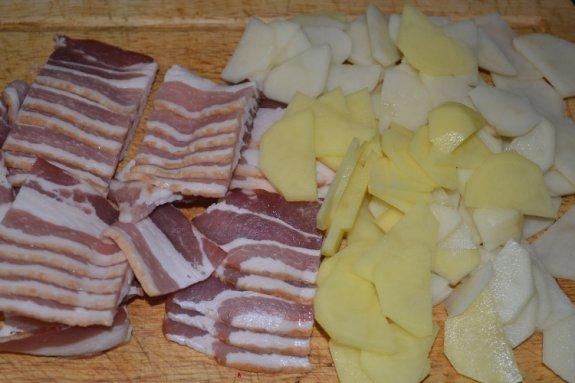 Картофель с беконом в молоке в мультиварке3
