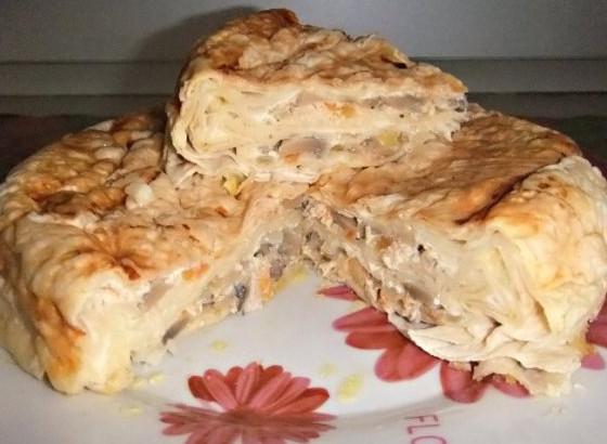 Пирог из лаваша с шампиньонами в мультиварке