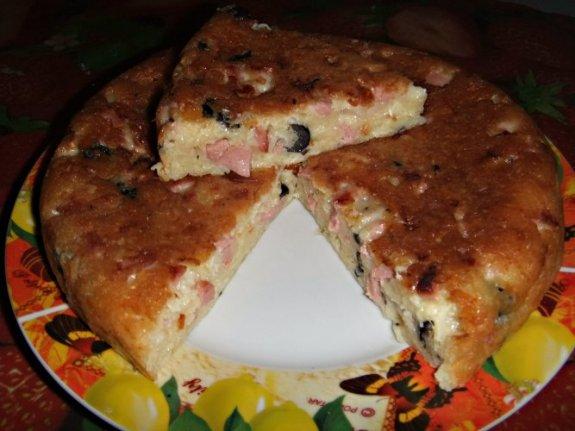 Лепешка с сосисками и сыром в мультиварке. 6