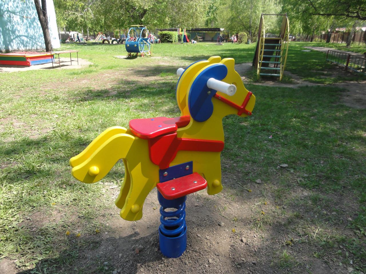 Качалки на пружине для детских площадок