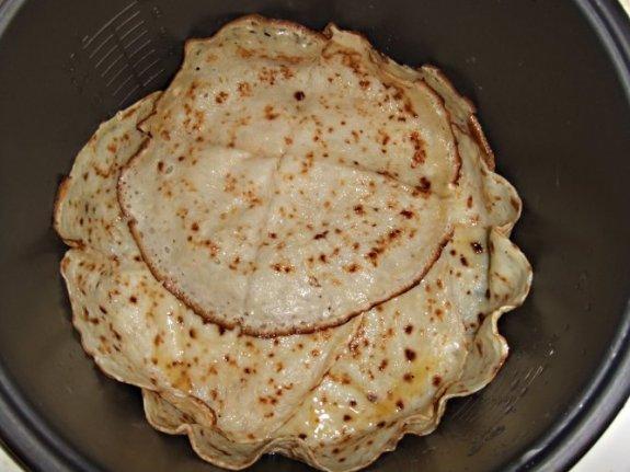 Блинчатый пирог в мультиварке5