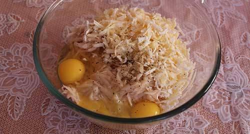 Запеканка из тертого картофеля с мясным фаршем в мультиварке3