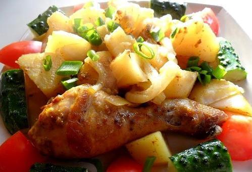 Картофель с окорочками, тушеный в мультиварке