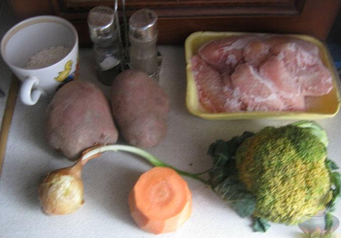 Суп куриный с брокколи в мультиварке