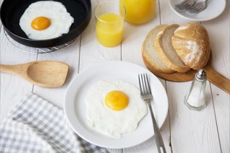 Яичница в мультиварке REDMOND: лучшие рецепты и полезные советы